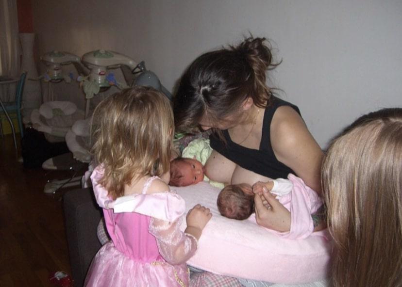 Lindsey tandem feeds her twins.